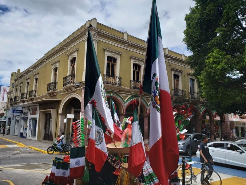 Comerciantes reportan bajas ventas en festejos patrios en Zamora