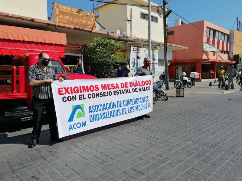 Comerciantes se manifiestan en el centro, exigen ampliación de horarios