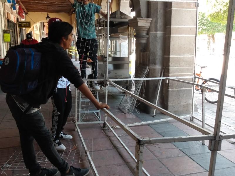 Comerciantes son reubicados tras cierre de espacios públicos