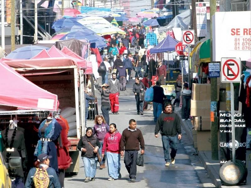 Comercio informal sin respetar medidas en Nuevo León