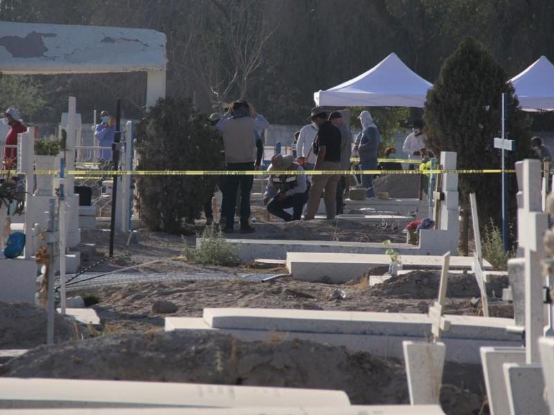 Comienza la exhumación de cuerpos en panteón público de Torreón