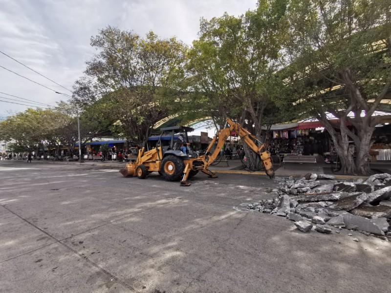 Comienza reparación de calle en Mercado Zona 30