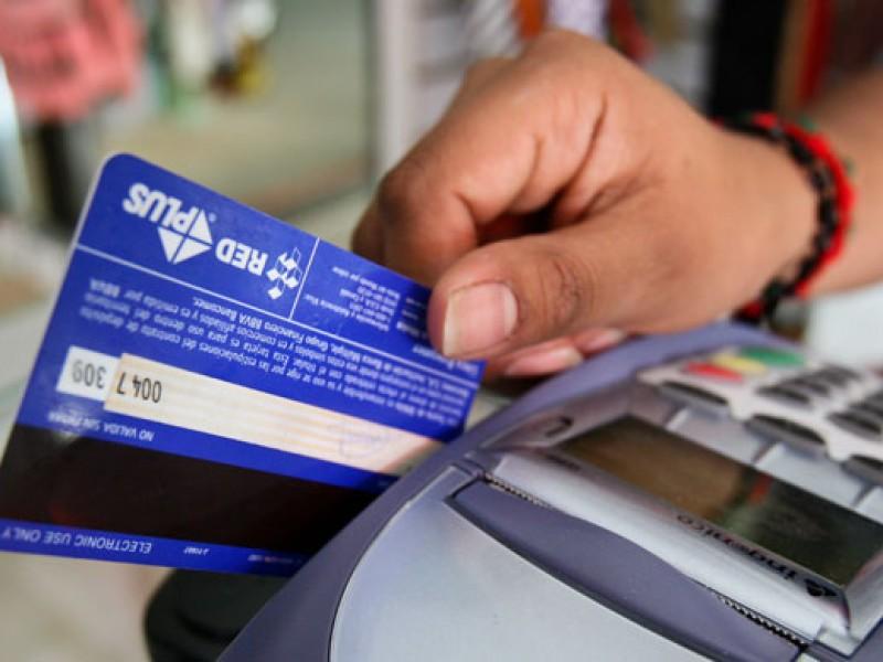 Comisiones de bancos superan los 100 mil mdp