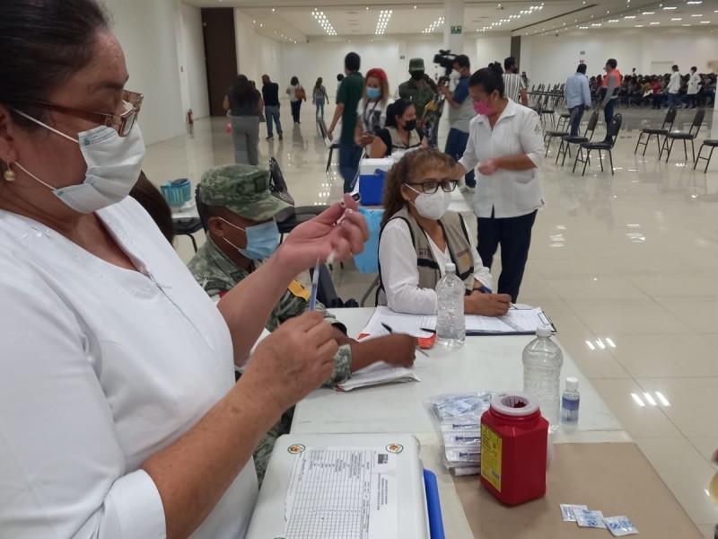 Comorbilidades y sin vacuna, factores de riesgo en pacientes Covid