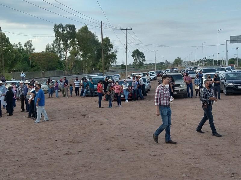 Comuneros de Buenavista no son recibidos por AMLO