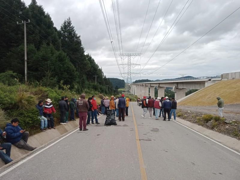 Comuneros de Ocoyoacac amagan con cerrar la México Toluca
