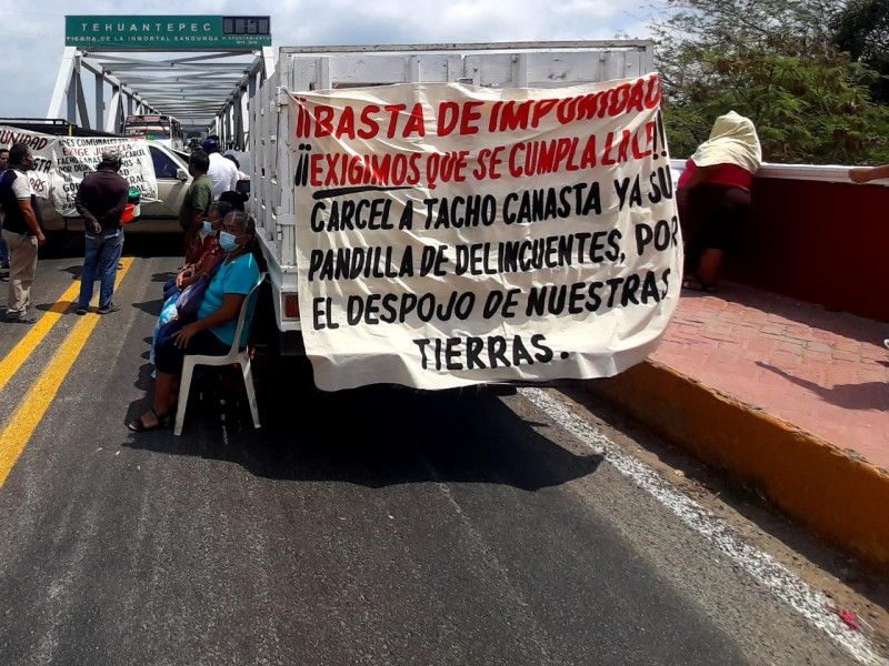 Comuneros reactivan bloqueo en Tehuantepec; denuncian cancelación de audiencia