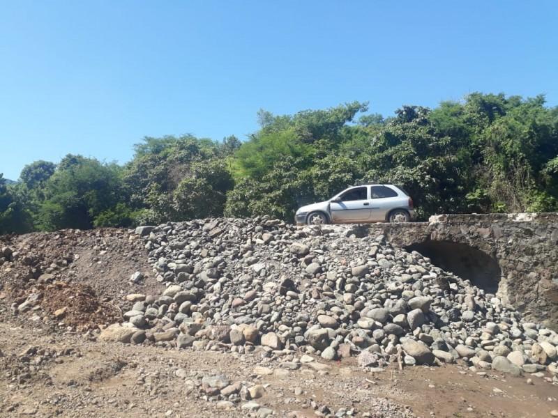 Comunidad en riesgo de colapso por falta de puente