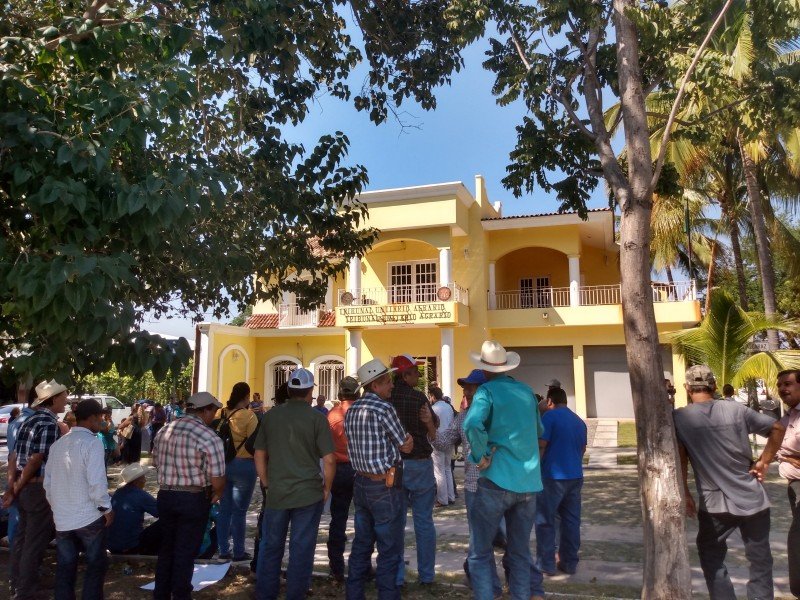 Comunidad indígena se manifiesta el Tribunal Unitario Agrario