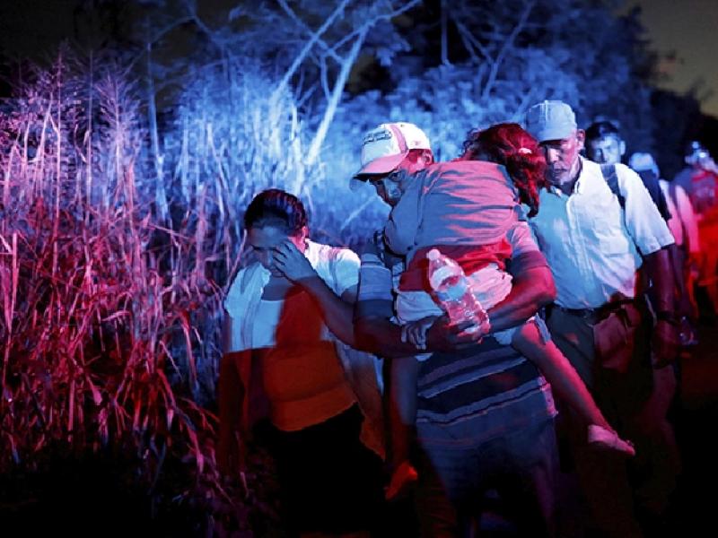 Comunidad muxe arropa a la caravana migrante