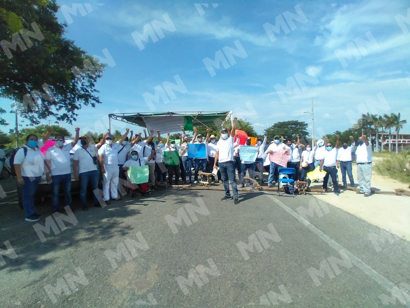 Con bloqueo carretero SUTIEBO exige alto a descuentos injustificados
