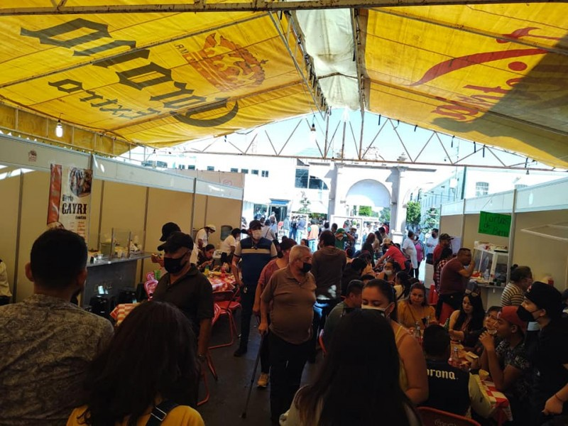 Con éxito realizan primer Festival de la Birria en Calera