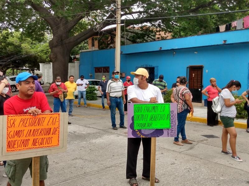 Con marcha pacífica piden la reapertura de cantinas y bares