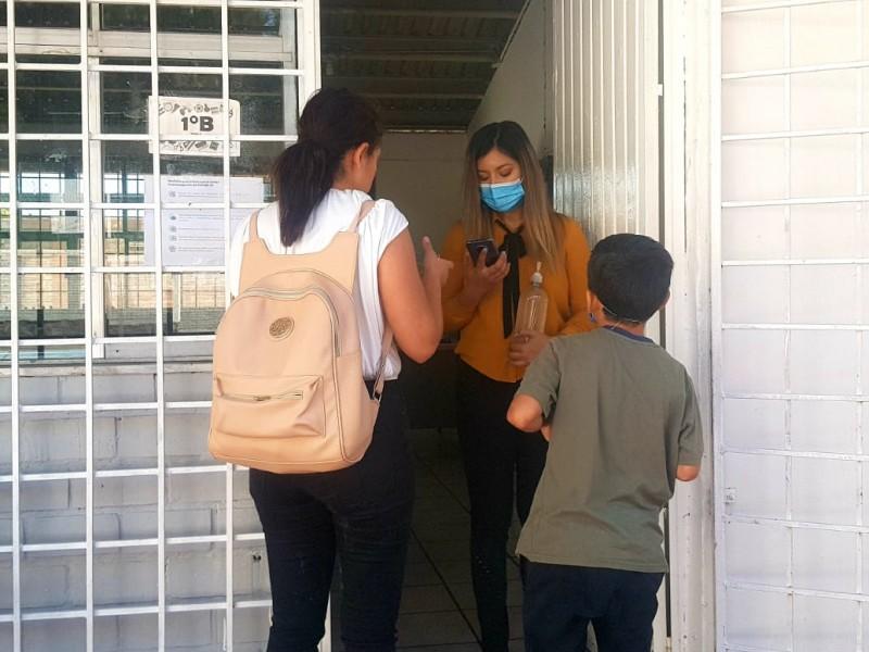 Con medidas preventivas tienen alumnos regreso paulatino a las aulas