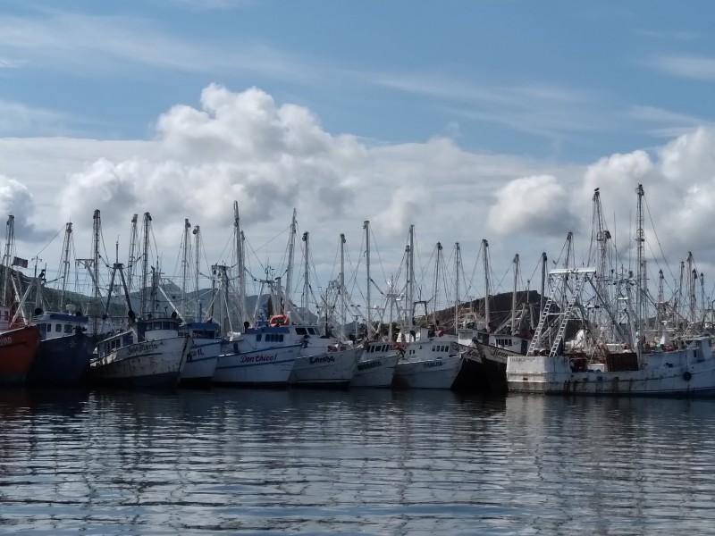 Con todos los factores en contra inició pesca de altamar