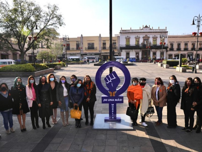Con un monumento, recuerdan a mujeres víctimas de violencia