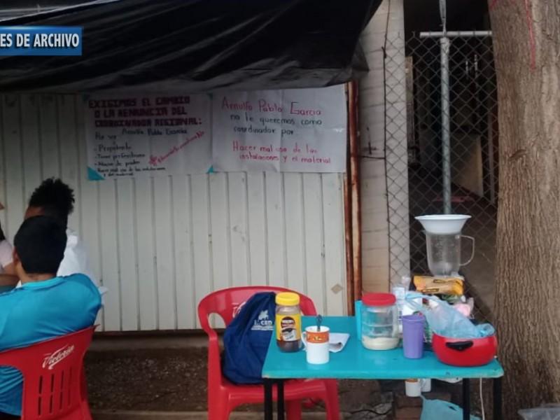 Conafe La Unión permanece cerrado, paristas rechazan propuesta