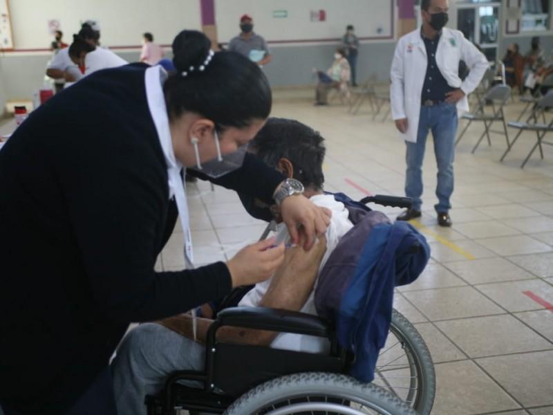 Concluye aplicación de vacuna Pfizer a adultos mayores de Jacona