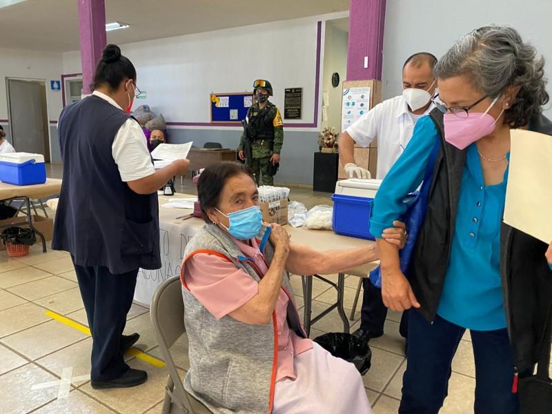 Concluye primera jornada de vacunación anti-COVID en Jacona