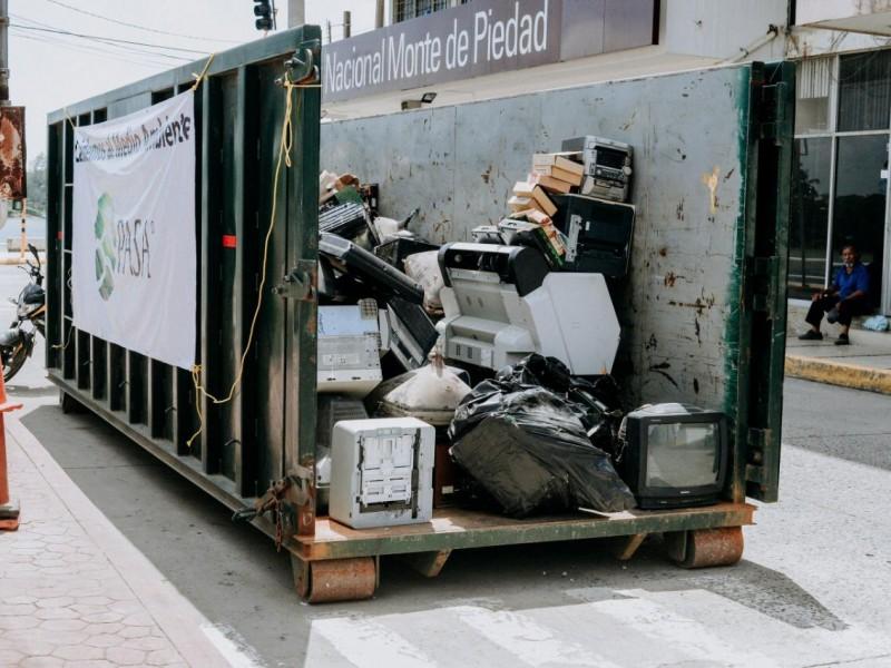 Concluye Reciclatrón con nueve toneladas de basura electrónica