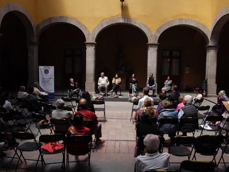 Concluyen conferencias del festival Maxei