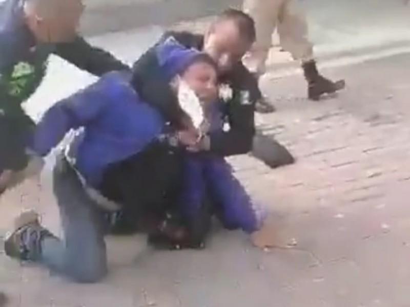 Condenan abuso policial  a repartidor en Lomas de Angelópolis