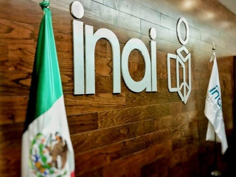 Condenan desaparición del INAI