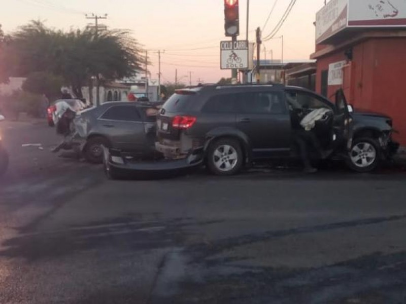 Conductor alcoholizado provoca accidente