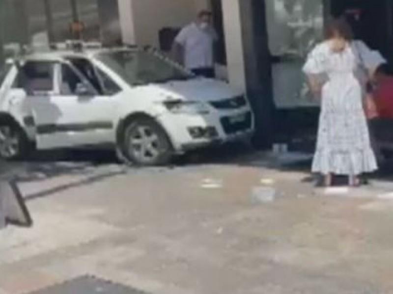 Conductor embiste a peatones en Marbella, España