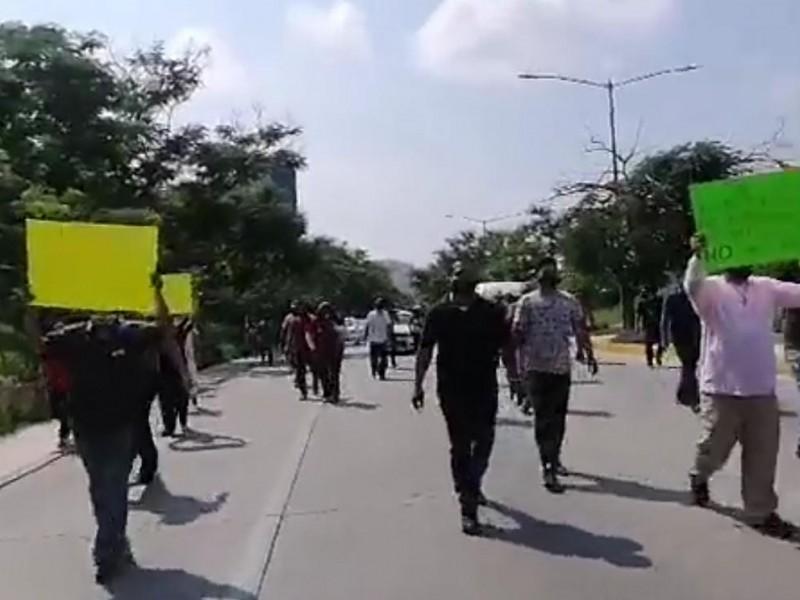 Conductores de transporte público marchan en TGZ