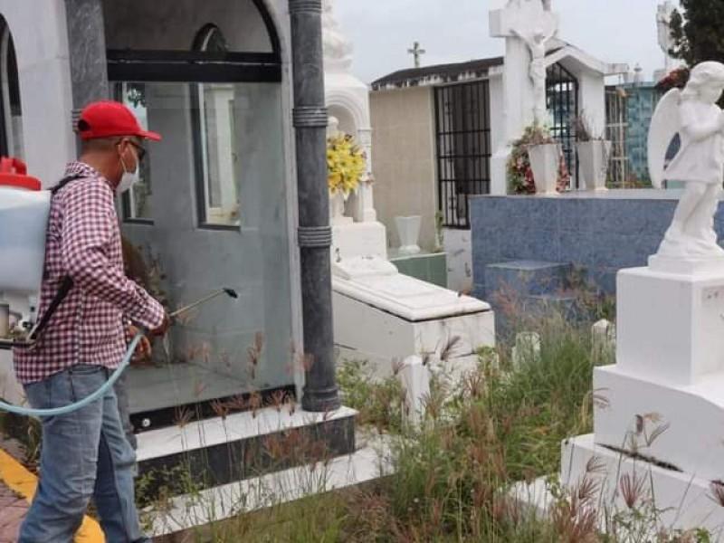 Confirma ayuntamiento de Tecuala prohibición de apertura en panteones