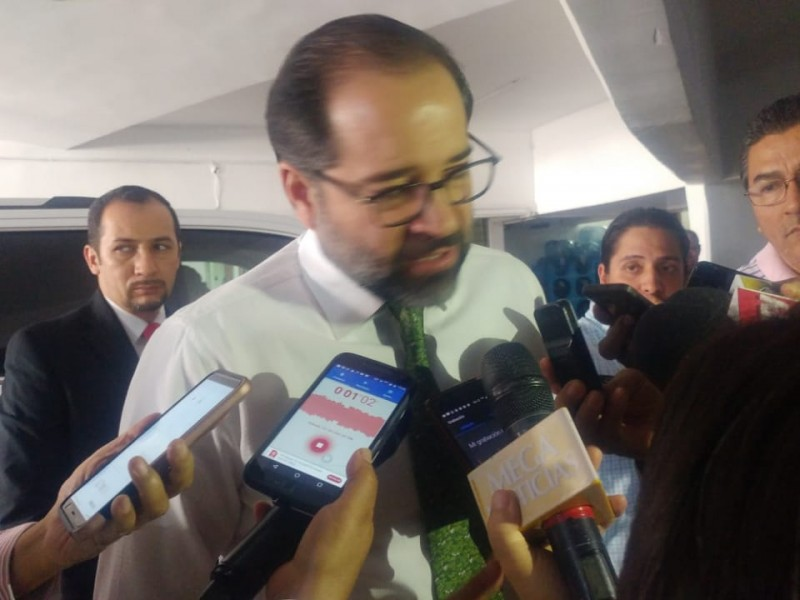 Confirma el gobernador hallazgo de fosas y cadáveres