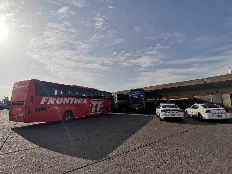Conflicto entre líneas de autobuses afecta a usuarios en Torreón