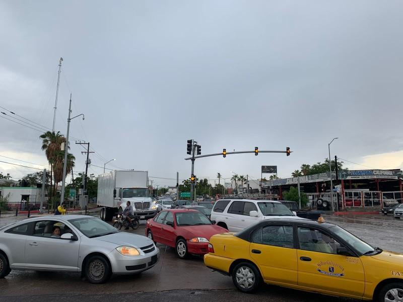 Congestión vial por cierre en puente