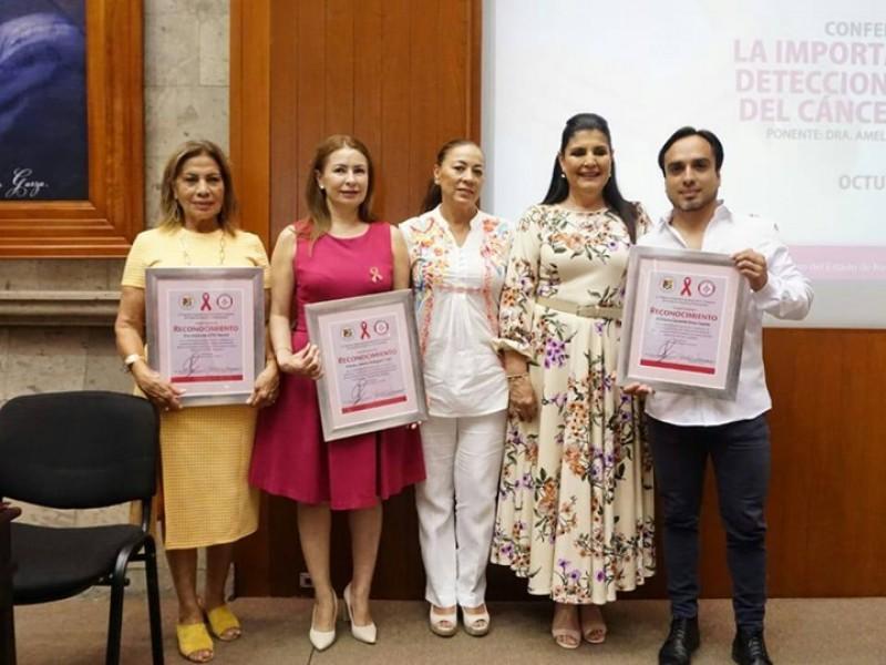Congreso concientiza sobre el cáncer de mama