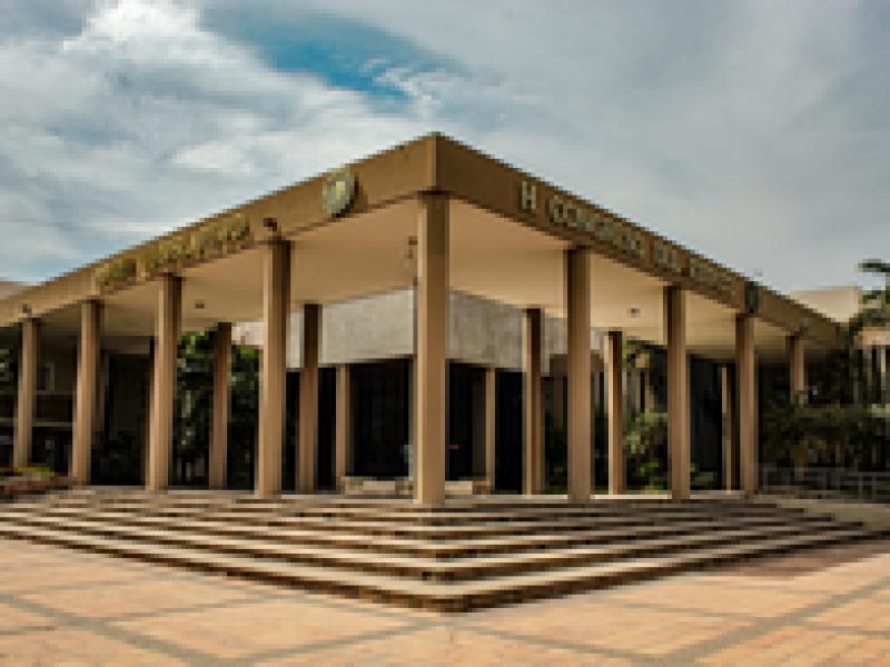 Congreso del Estado facturó en empresas fantasma, acusa Iniciativa Sinaloa