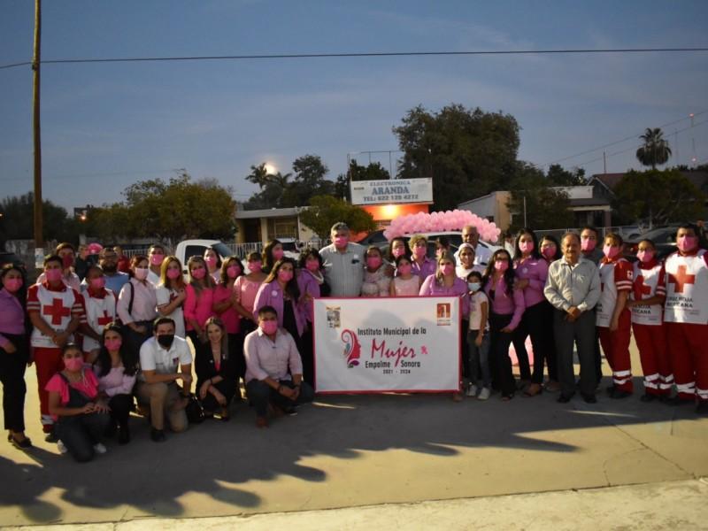 Conmemora Ayuntamiento 'Mes Rosa' con una caravana