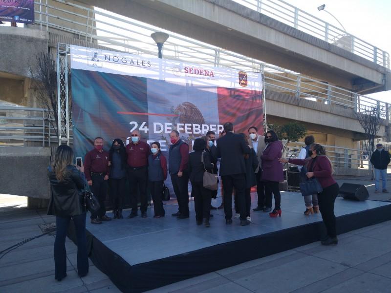 Conmemoran autoridades el día de la Bandera