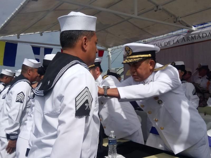Conmemoran día de la Armada de México
