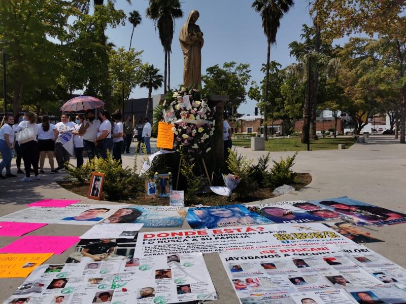 Conmemoran día de las madres manifestándose por sus hijos desaparecidos