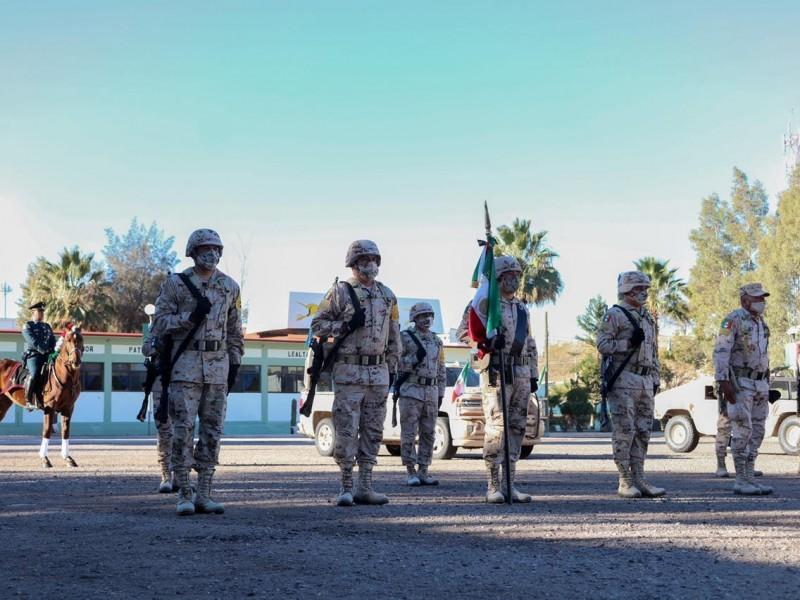 Conmemoran día del ejército con exposición fotográfica