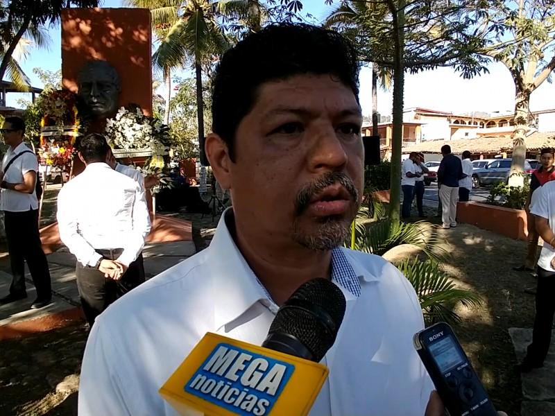 Conmemoran en Zihuatanejo 213 natalicio de Benito Juárez