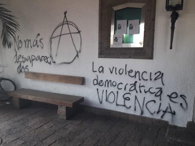 Consideran interponer denuncia por daños Casa Jalisco