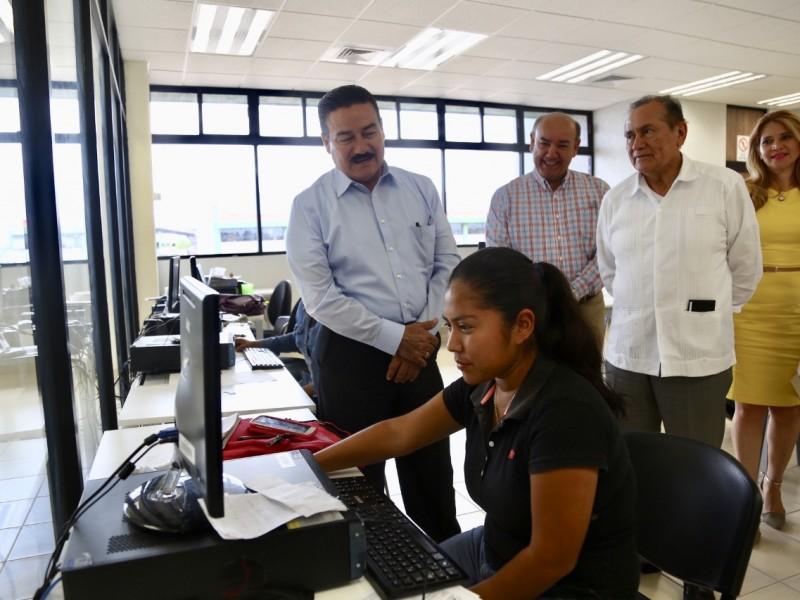 Consolidarán Gobierno Federal y Estatal obras educativas