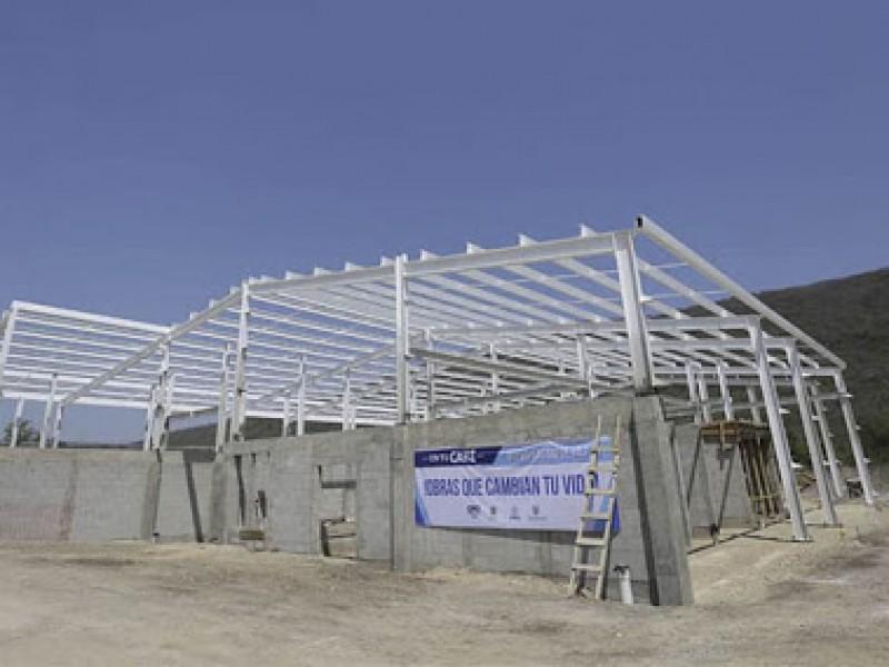 Construcción del rastro de Jalpan lleva un 75% de avance