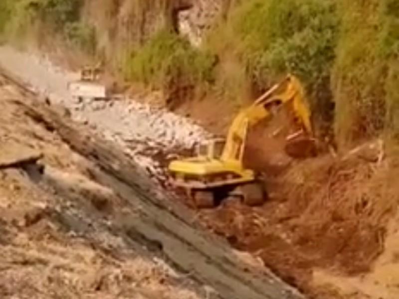 Construye SCT camino provisional tras derrumbe en autopista siglo XXI