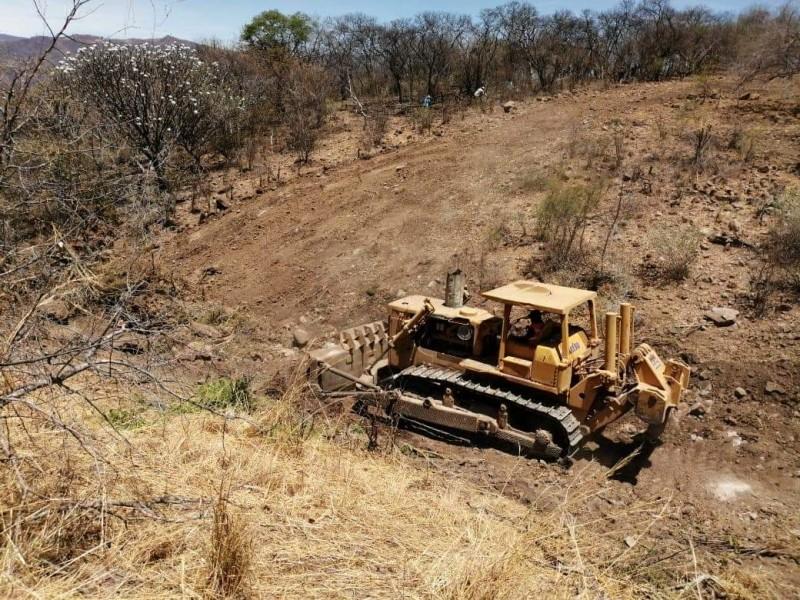 Construyen bordo comunitario en apoyo a campesinos de La Yesca