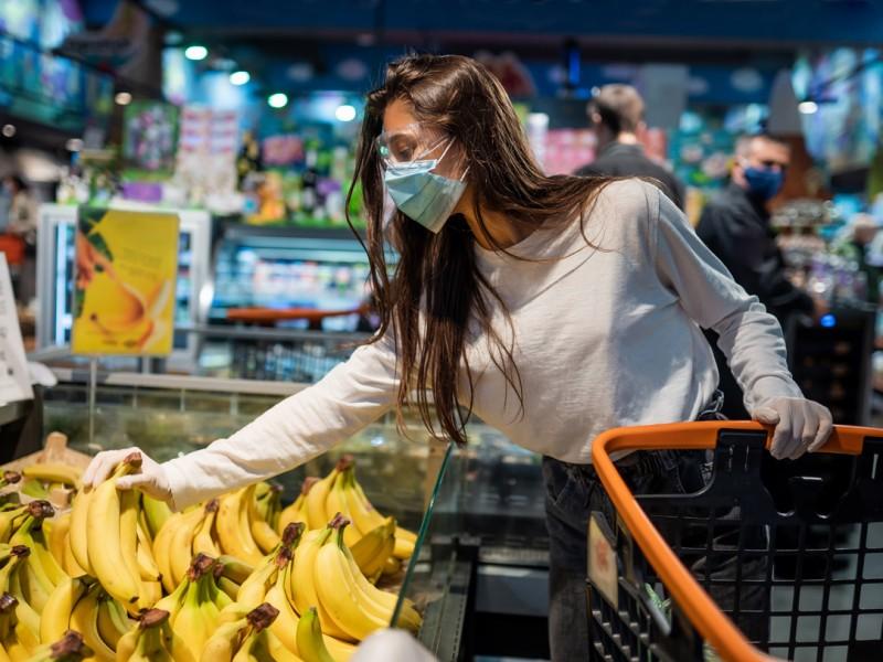 Consumo privado crece 0.9% en México, suma 3-meses al alza