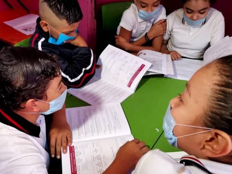 Los contagios de Covid-19 en las escuelas están controlados: Docentes
