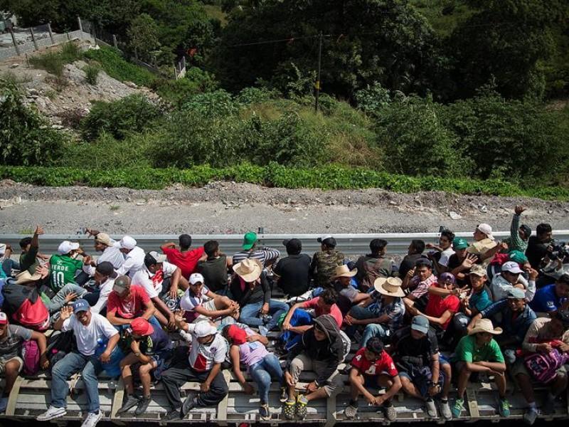 Continua avanzando caravana de migrantes rumbo a Veracruz